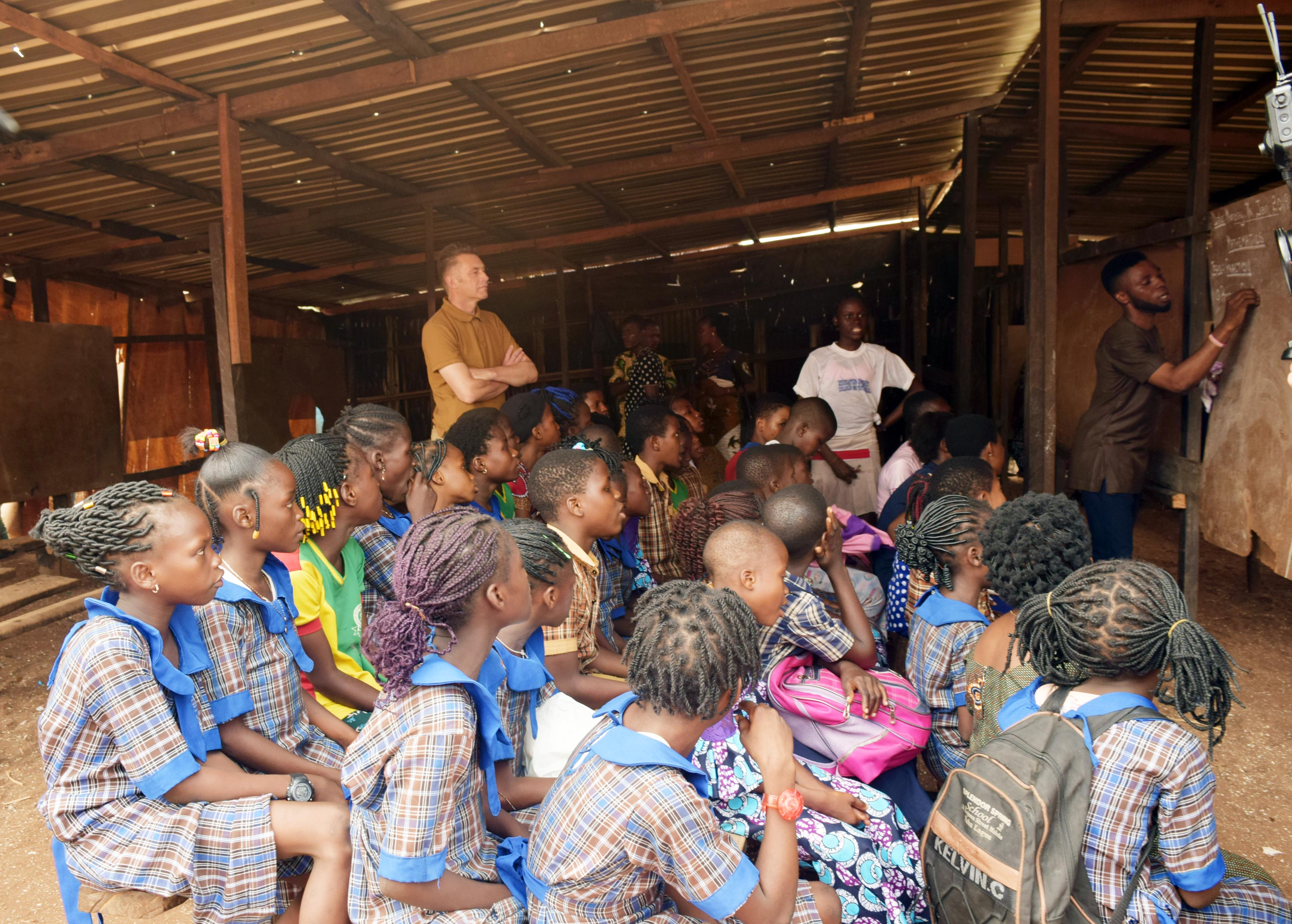 Chris Packham at one of CEE-HOPE's after-school centres at Makoko
