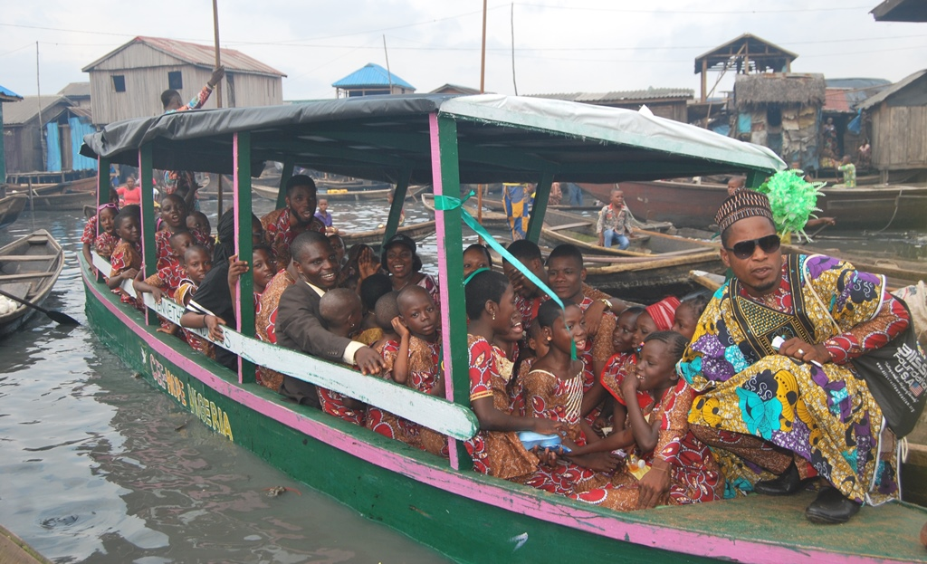 CEE HOPE Boat